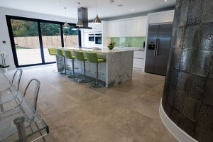 contemporary-fitted-kitchen